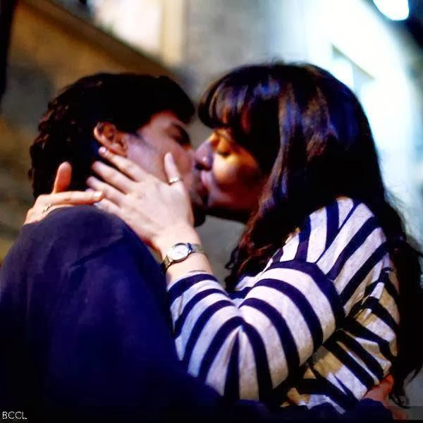 Lip Locks Katy Perry Russel Kissing Kiss Russell