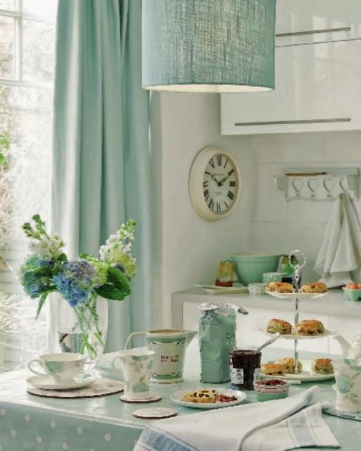 pogodne wn trza laura ashley. Black Bedroom Furniture Sets. Home Design Ideas