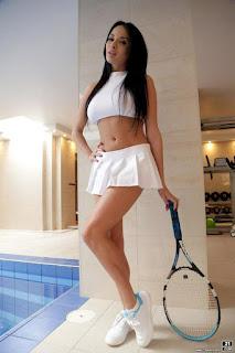 twerking girl - rs-81192_007-723997.jpg
