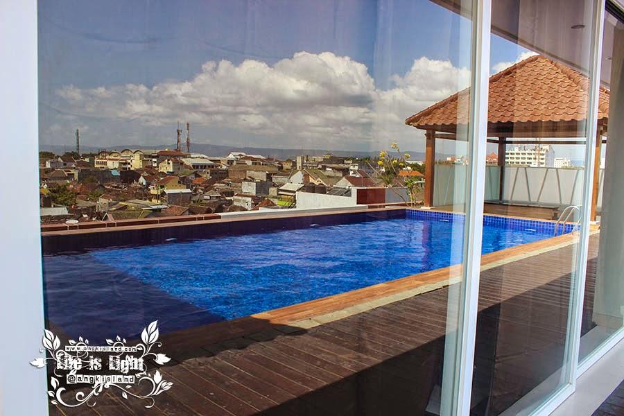 dafam hotel dan kolam renangnya