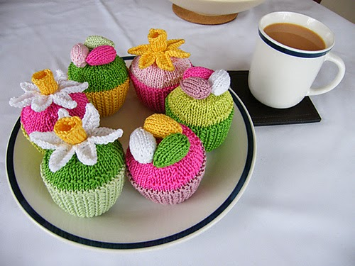 http://www.ravelry.com/patterns/library/easter-cupcakes