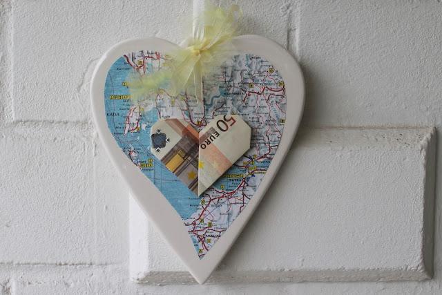 DIY Geldgeschenk zur Hochzeit Geldschein Herz Landkarte