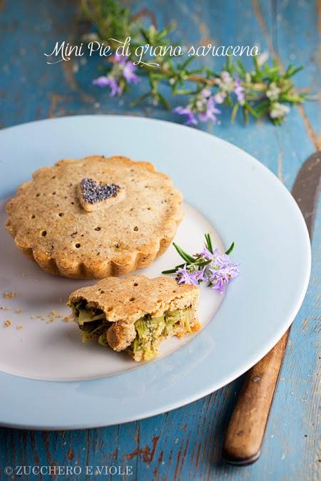 mini pie salata di grano saraceno con cicoria e olive