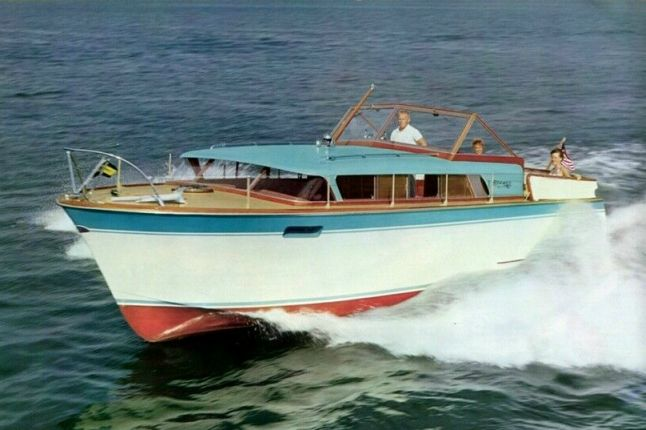 Chris Craft Riviera 31