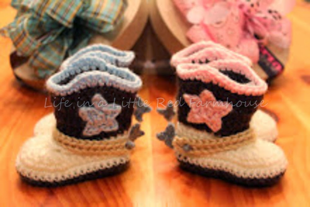 Crocheted Cowboy Booties With Spurs