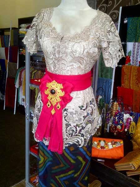 Kumpulan Foto Model Baju Kebaya Bali Trend Baju Kebaya