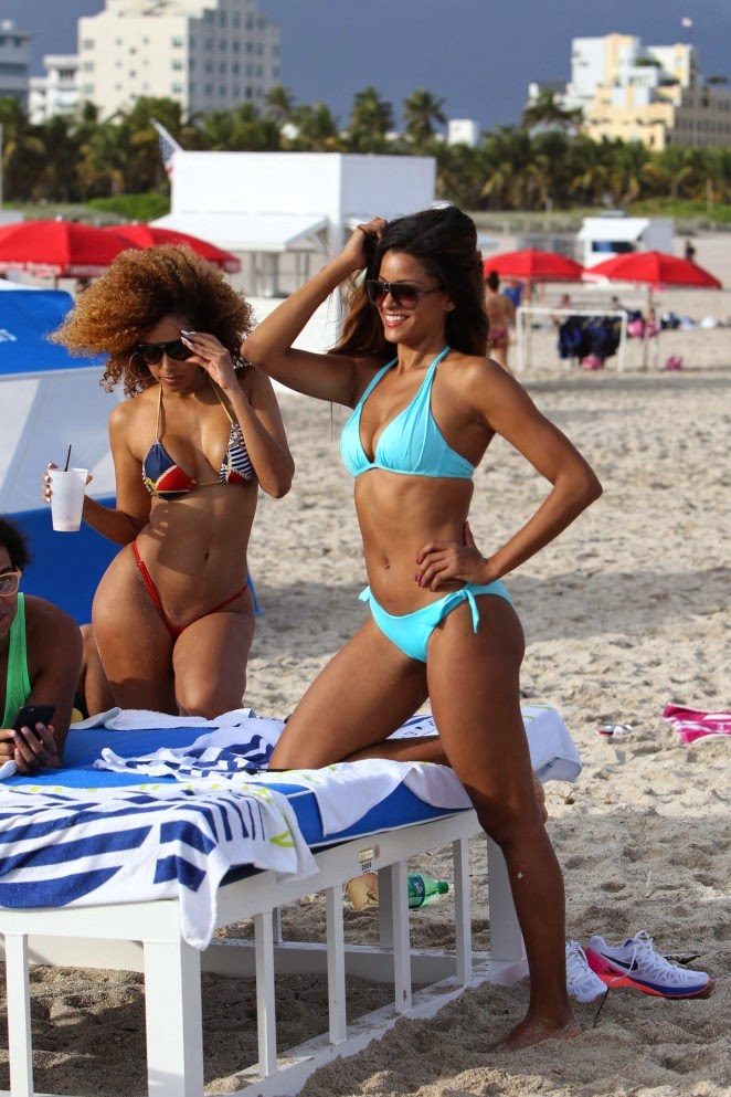 Claudia Jordan – Wearing Bikini on the Beach in Miami