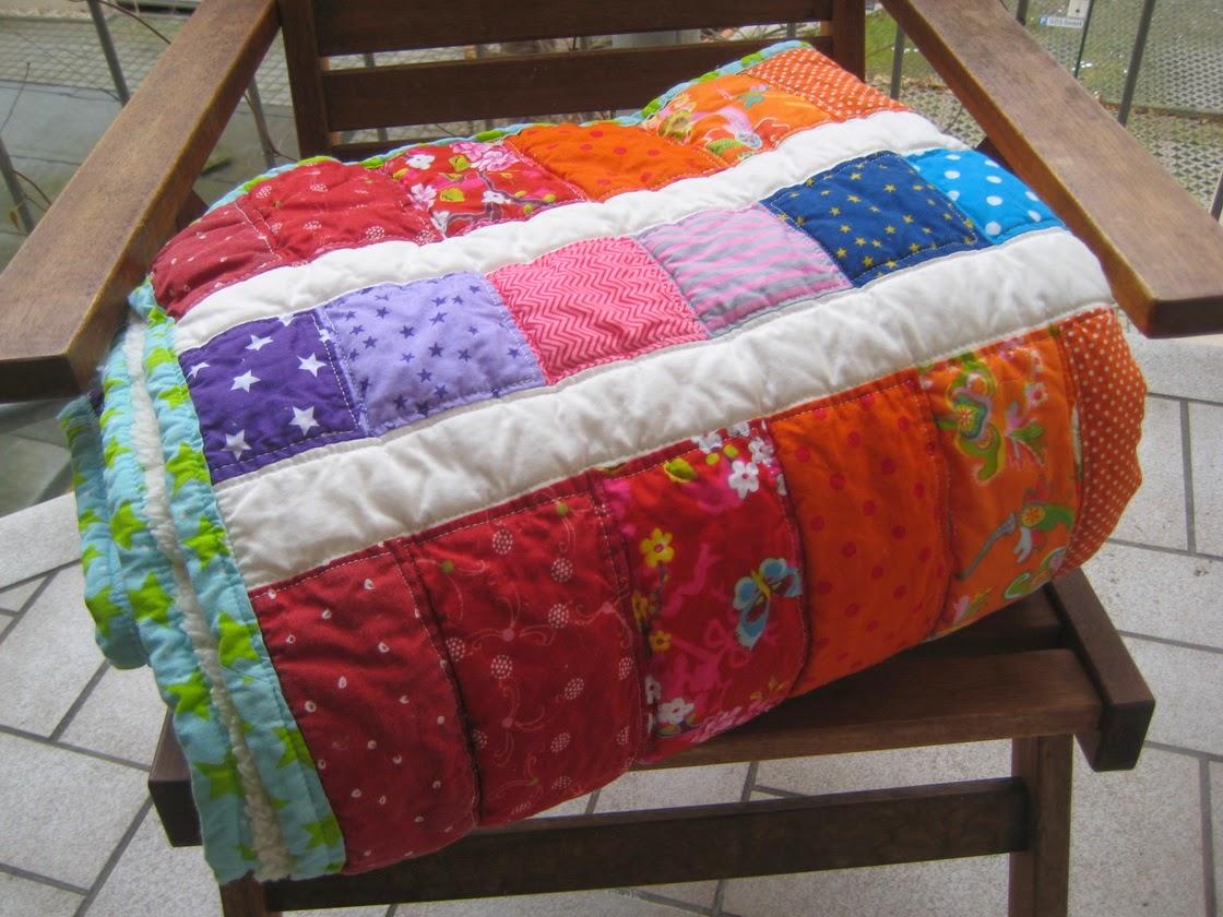 angies kleiderschrank regenbogen quilt. Black Bedroom Furniture Sets. Home Design Ideas