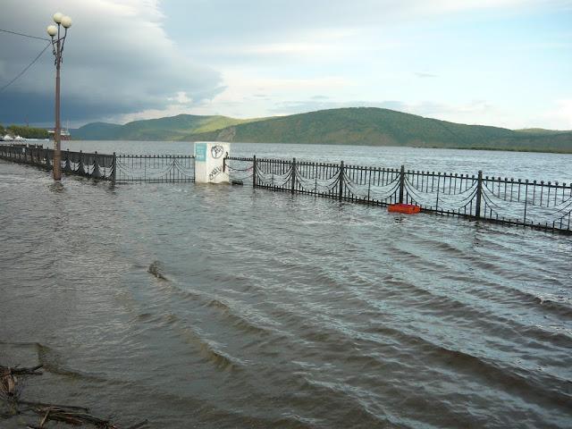 Затопленный речной вокзал в Комсомольске на Амуре