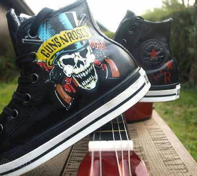 All Stars de Guns and Roses y guitarra