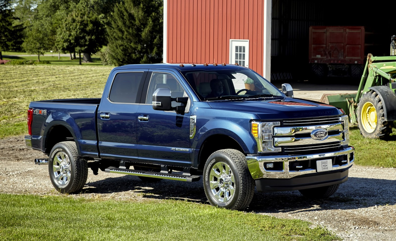 Ford gives a first look at the 2017 f series super duty at the texas state fair w videos