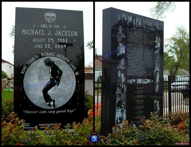 http://2.bp.blogspot.com/-g7g4KnlNuEc/USJSbl01StI/AAAAAAAAUV8/Soc9iRt9m08/s640/monument.jpg