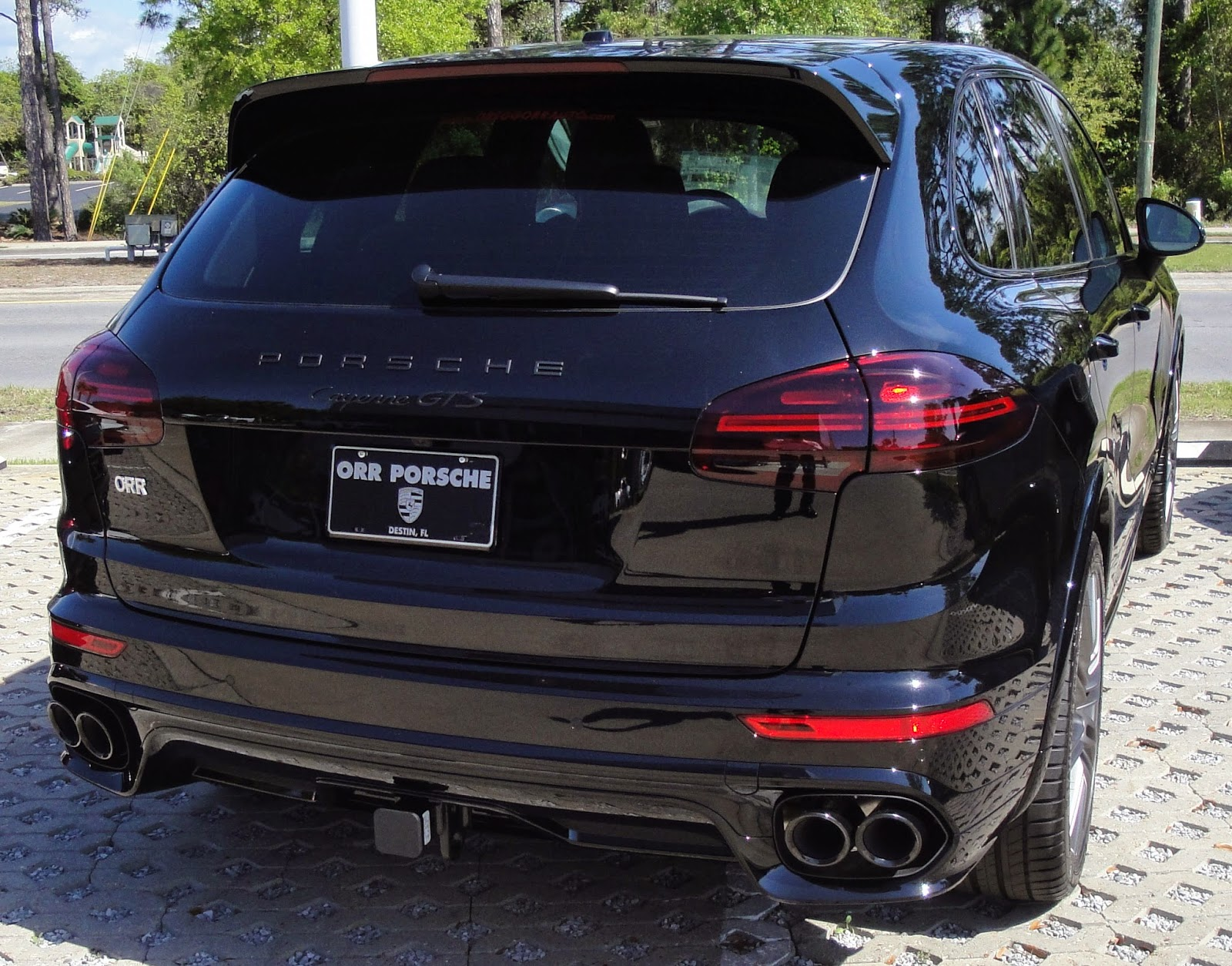 This Cayenne GTS screams rock and roll! The 3.4 L Twin turbo 6 produces 340 Hp and will have you to 60 mph in under 5 seconds.