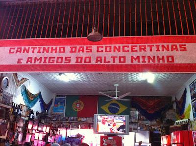 Cantinho das Concertinas, bar e restaurante no CADEG