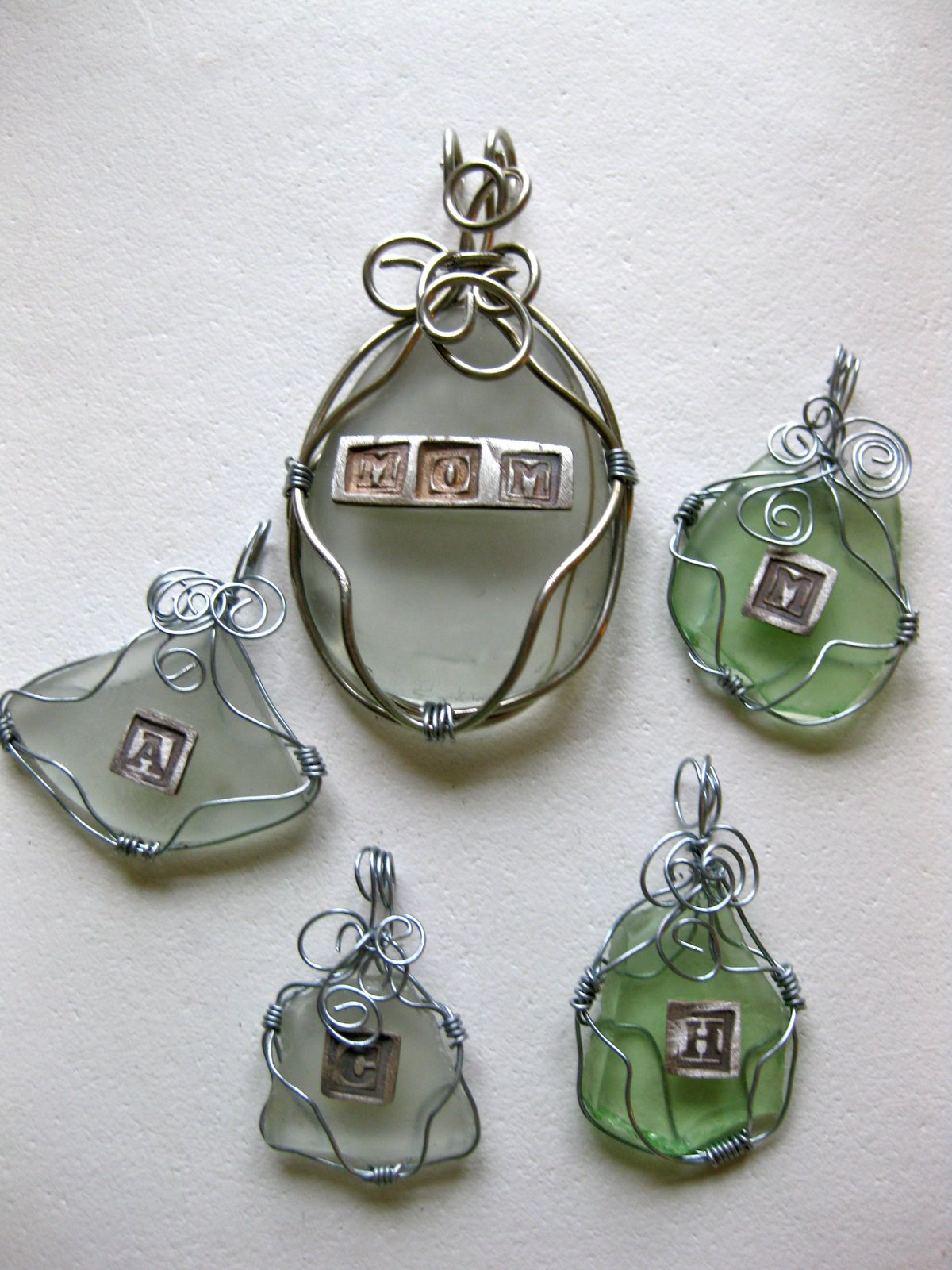 Dorable Wire Wrapped Sea Glass Pendants Ideas - Electrical and ...