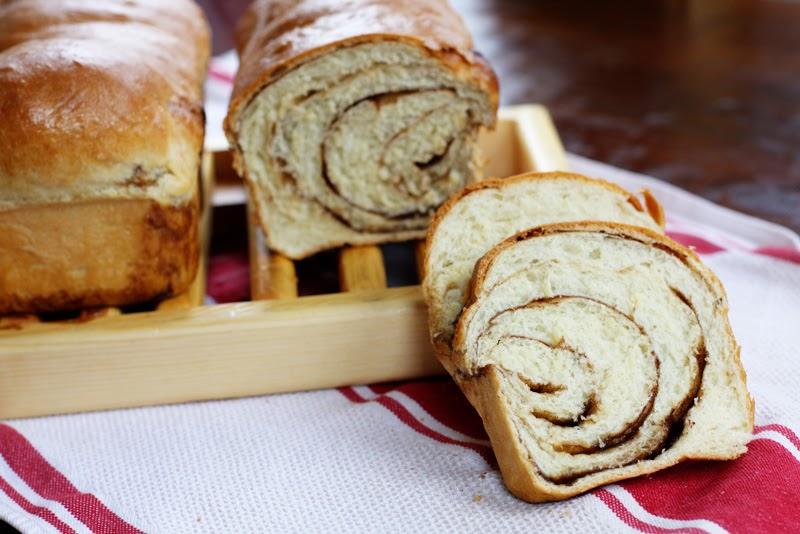 brown sugar cinnamon swirl bread | Sweet Anna's