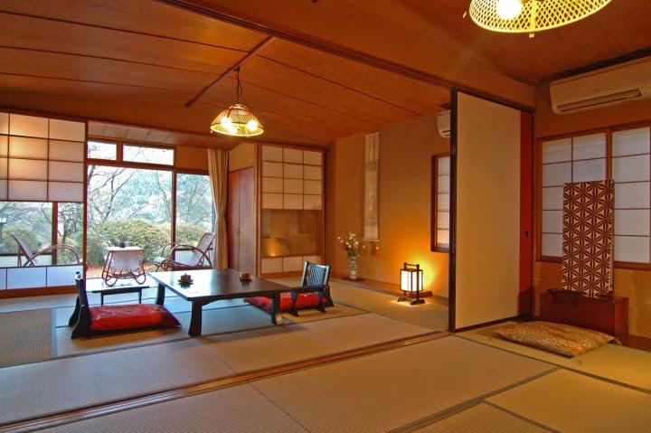 Ruang Tamu Jepang Dengan Lantai Tatami