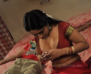 Tamil Movie Anagarigam Hot Bedroom Scene Pics S Wallpapers Images