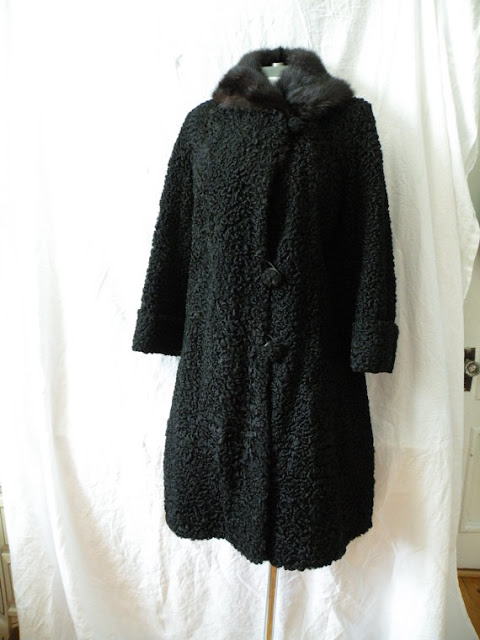 curly and robust lamb fur coat made of fullskins