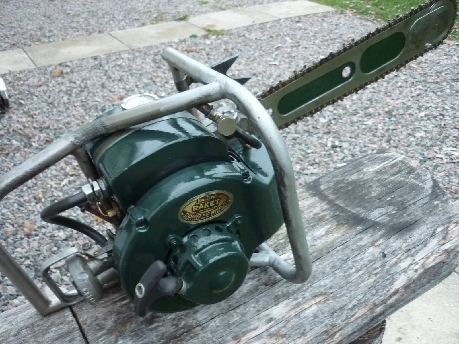 Jonsered Serial Number http://vintagechainsawcollection.blogspot.com/2012/11/jonsered-621-hotsaw-modified.html
