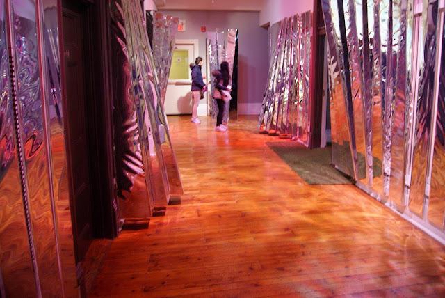 Come Up To My Room 2015, Gladstone Hotel in Toronto, CUTMR, culture, event, installations, art, artmatters, design, interior, Ontario, Canada, artists, TODO, IDS, The Purple Scarf, Melanie.Ps, AIUIA, Alula, jacky lac, priscilla lee, julian paulo rodrigues, mirror, hallway