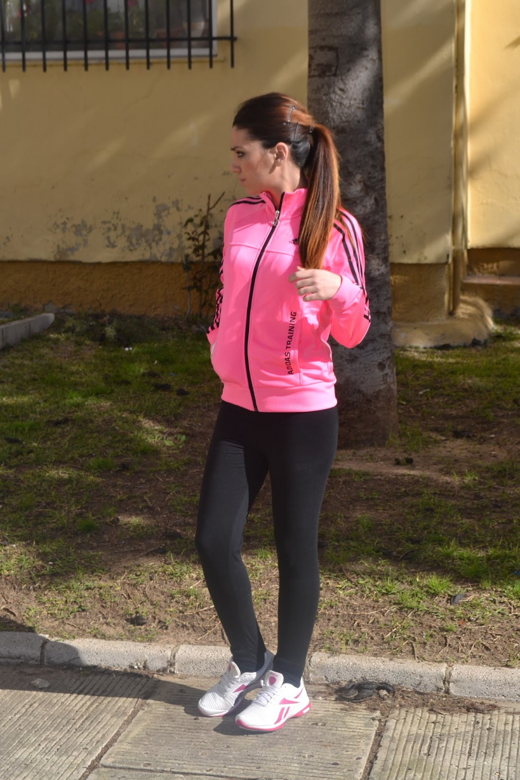 My Life in Pink  Outfit fluor deportivo