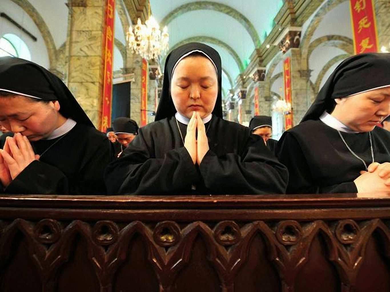 Freiras na China.  Conversões e vocações crescem contra a vontade do governo