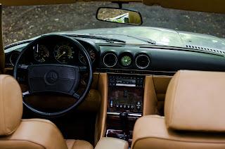 25 Mercedes-Benz 560SL R107 1988