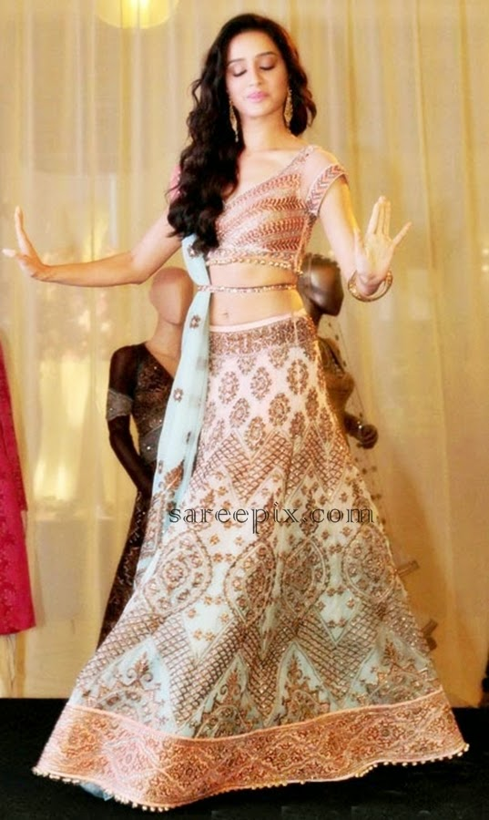 Shraddha-kapoor-JJ-valaya-lehenga-india+bridal+fashion+week+2014