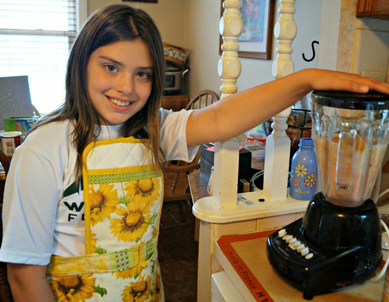 Making homemade real food smoothies