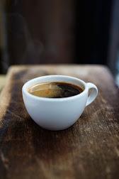 ကော်ဖီလေးသောက်ပါဉီး......မိုးအေးလေးမှာ