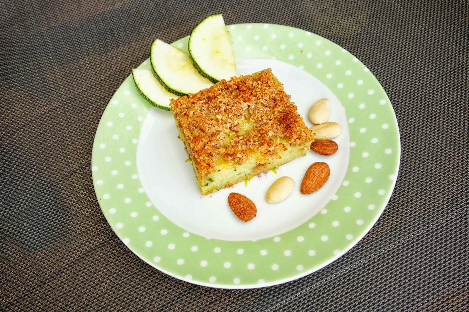 Zucchini almond cake