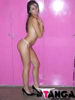 2 Patricia Paraguaya joven en tanga (Galería de Fotos)