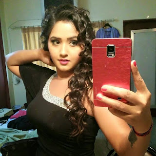 Bhojpuri Actress Kajal Raghwani  Style Wallpaper.jpg