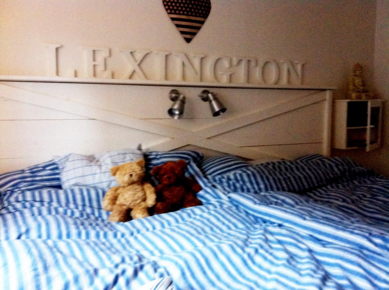 Andrummen Sänggavel från Ocean House, Lexington Sovrum med harmoni!