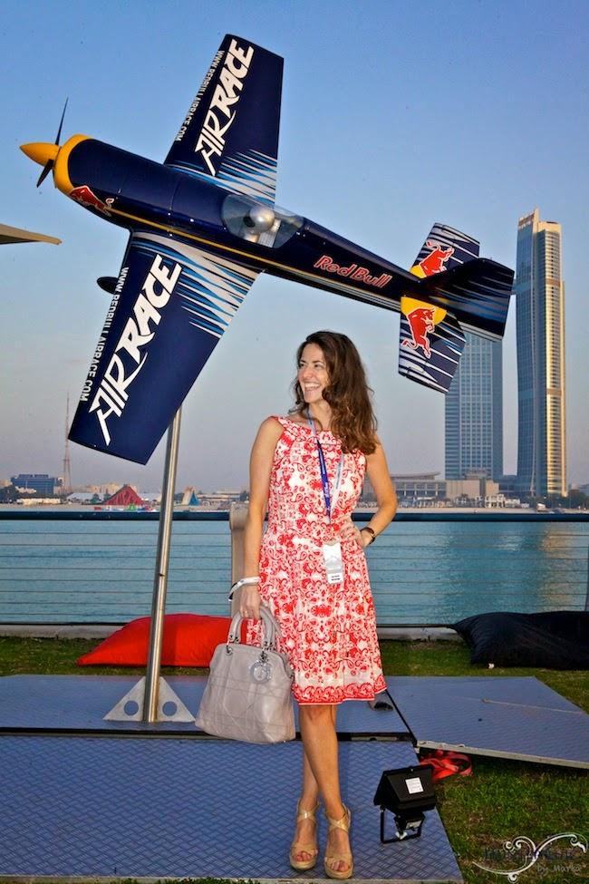 Abu Dhabi-RedBullAirRace-blog de moda-carreras-que me pongo-glamour