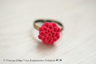 bague fleur rouge