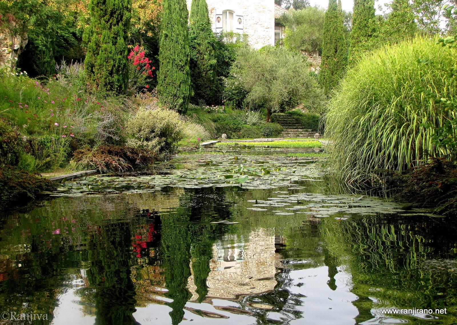 L 39 harmonie des jardins de sardy paysages et fleurs au for Fleurs des jardins