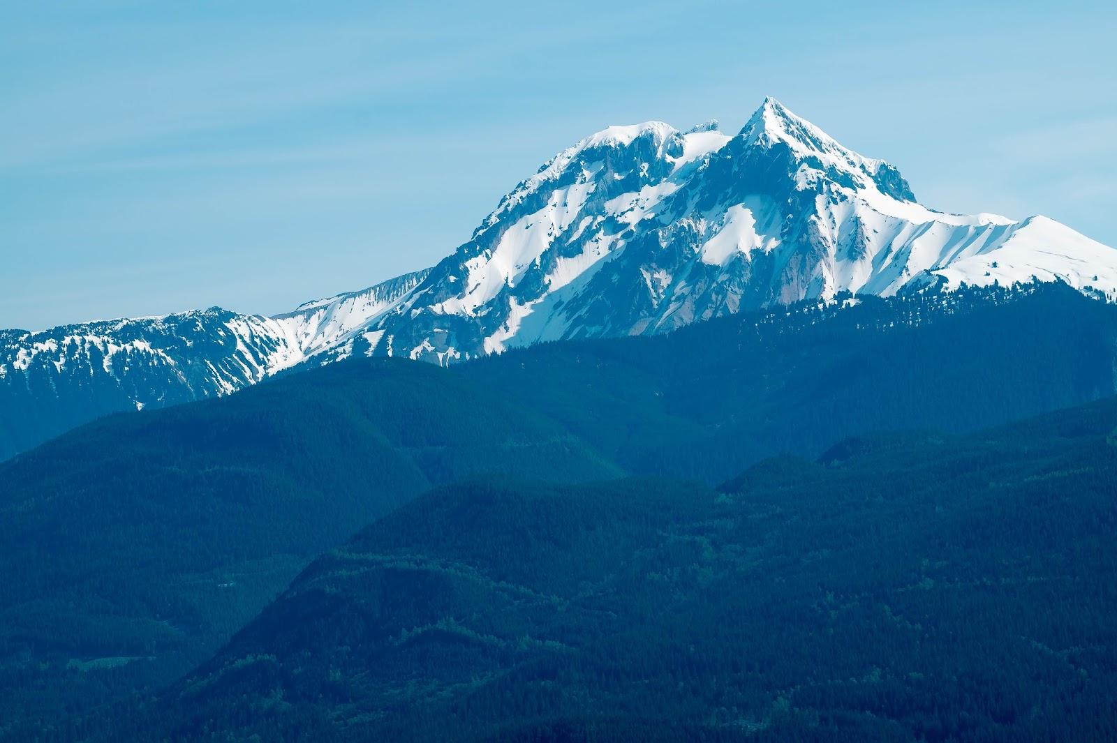 вулкан Гарибальди (2675м)