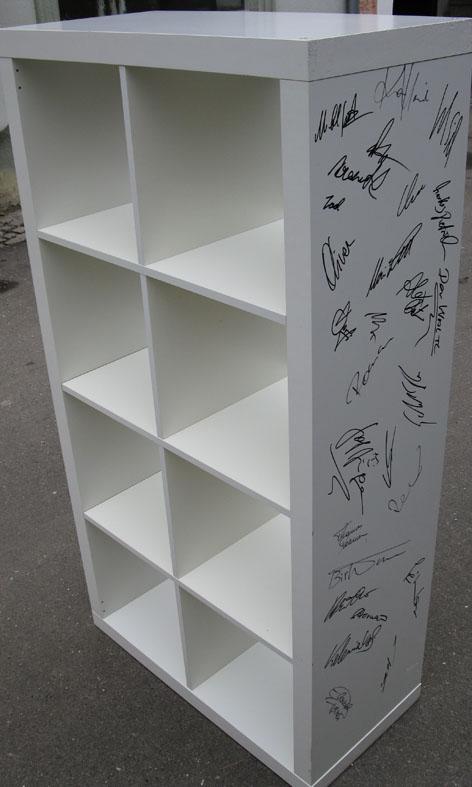 der wei e kenianer ikea elchtest regale auf ebay zu ersteigern. Black Bedroom Furniture Sets. Home Design Ideas