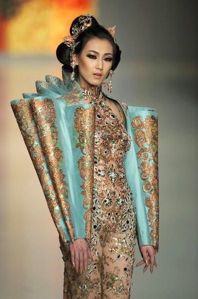 Fashion studio magazine guo pei exclusive interview for Couture fashion designers