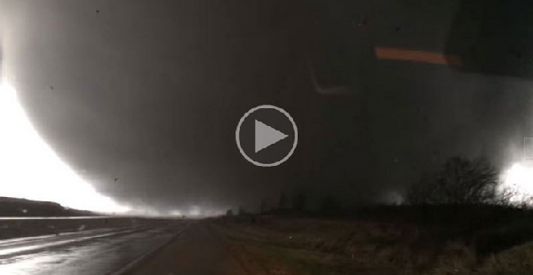 Guy Captures Crazy Close-Up Footage After Getting Caught in Tornado's Path