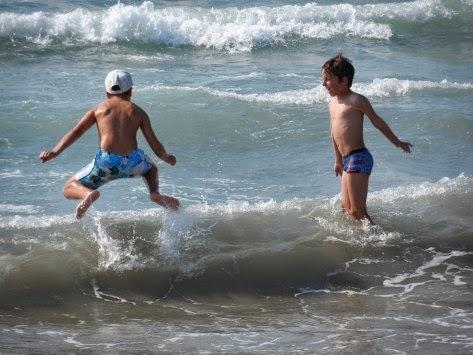 Τα καλοκαίρια μας μικρά...