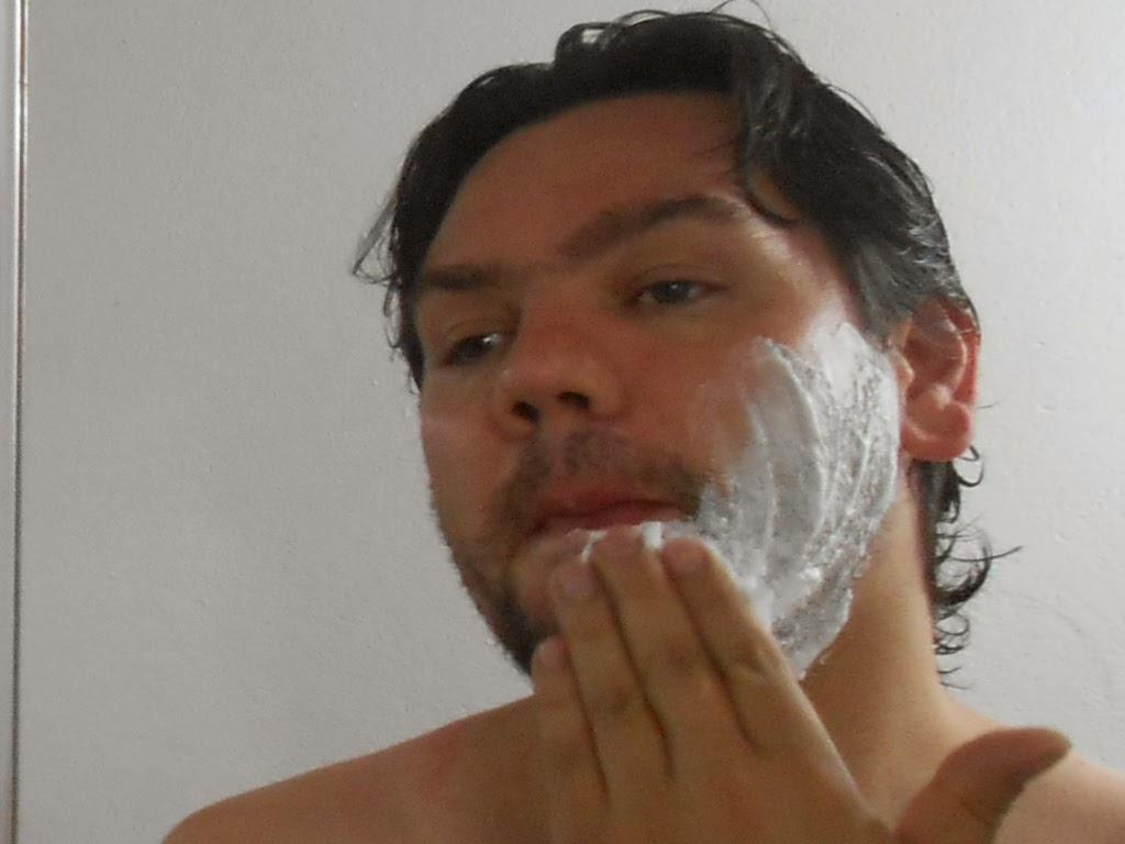 BIC, presente, depilação, amizade, parceria, espuma, lâmina, beleza, bem estar, alegria, pele, pele delicada, pele sensível, barba, barbear