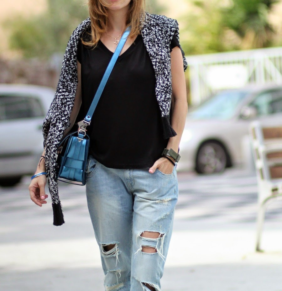 sloutchjeans, trends,ootd, vnecktee, lookoftheday, ps11, bag, fw14, fashionblog, streetstyle, telavivcity, rothschildblvd, fashion, בלוגאופנה, אופנה,