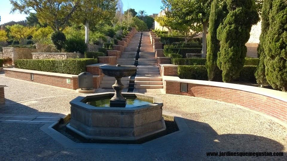 Como hacer escaleras en el jardin cuidar de tus plantas es - Escaleras jardin ...