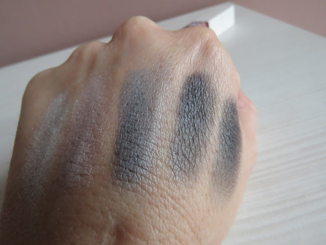 s.he_stylezone_eye_shadow_palette_swatch
