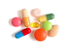 Image of unbranded capsules and tablet medications