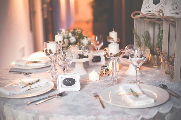 Aranżacja stołu weselnego w stylu boho.