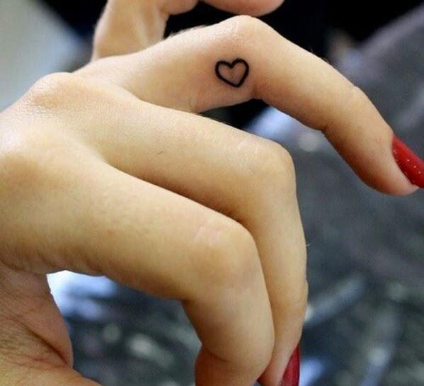 Los tatuajes en la muñeca para mujeres